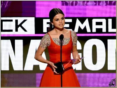 سلنا گومز در مراسم Amercan Music Award 2016