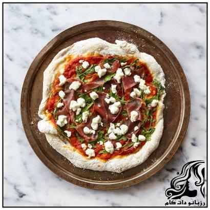 طرز تهیه پیتزای ژامبون و پنیر بز