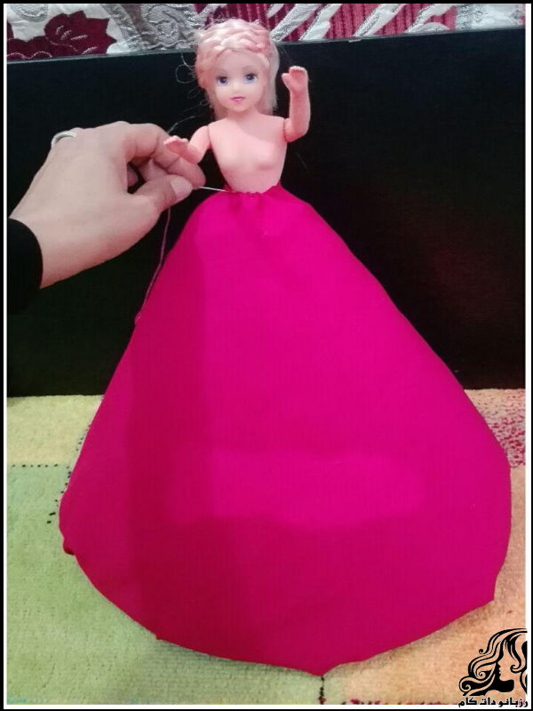 http://up.rozbano.com/view/2742430/Making%20dolls%20with%20bottles-08.jpg