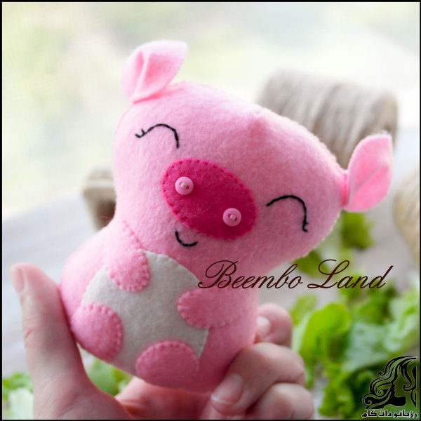 http://up.rozbano.com/view/2749652/Pig%20Puppet.jpg