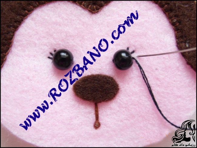 http://up.rozbano.com/view/2777151/Monkey%20doll%20Felt-16.jpg