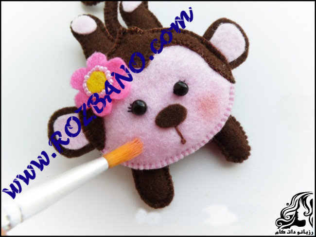 http://up.rozbano.com/view/2777155/Monkey%20doll%20Felt-21.jpg