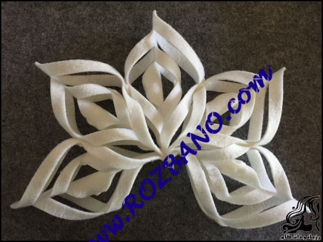 https://up.rozbano.com/view/2812807/Decorative%20flowers%20on%20table-07.jpg