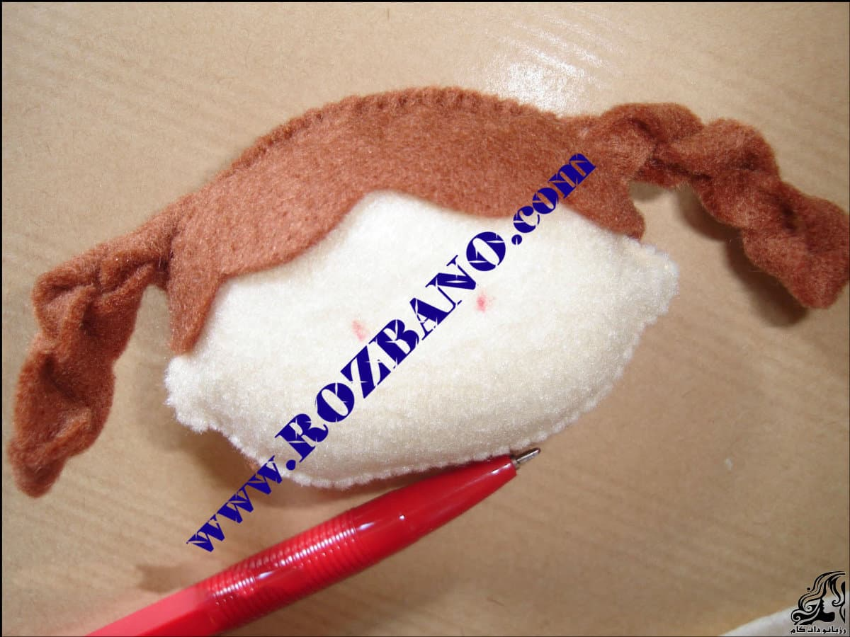 http://up.rozbano.com/view/2818054/Felt%20Girl%20Dolls-08.jpg