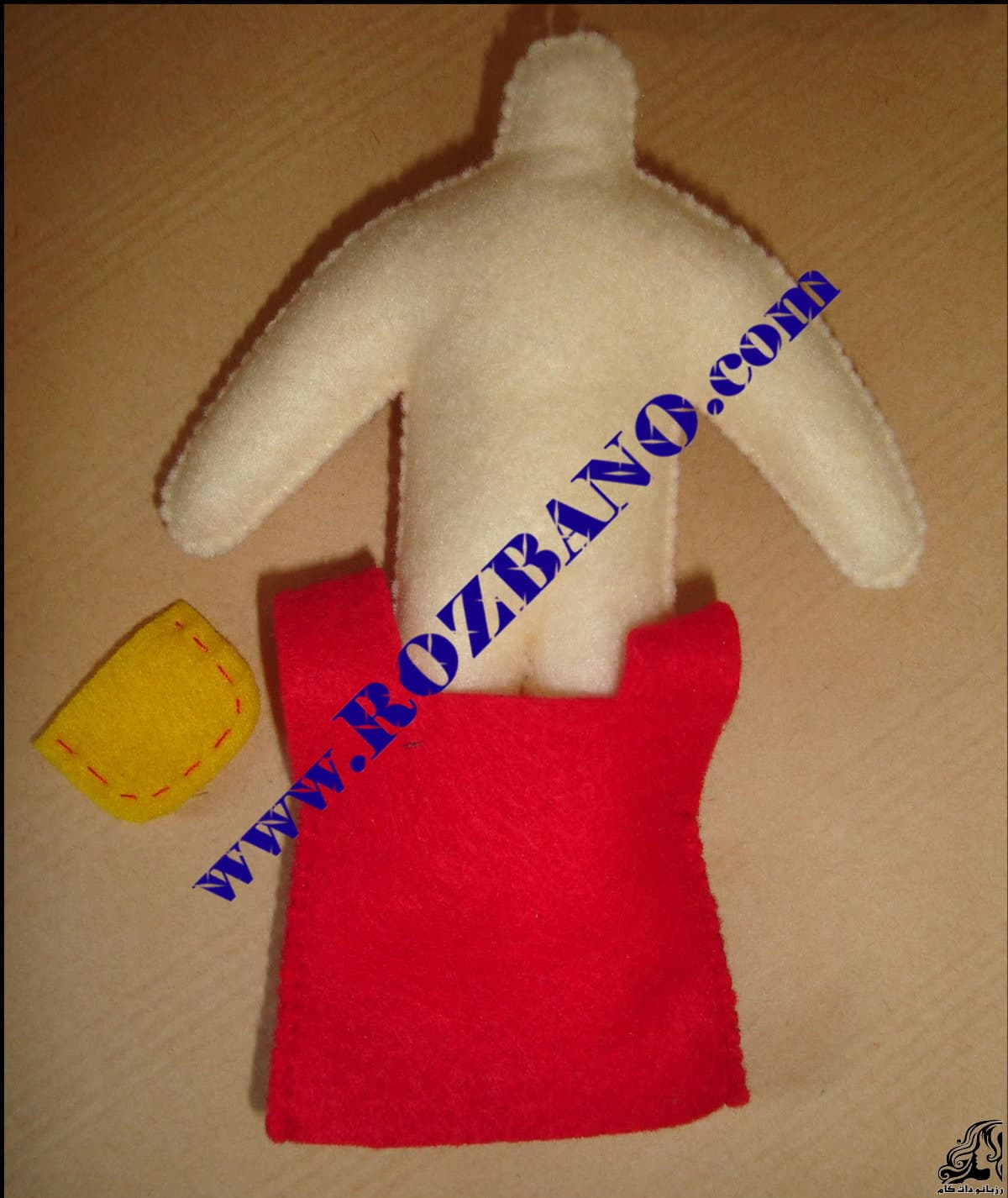 http://up.rozbano.com/view/2818059/Felt%20Girl%20Dolls-13.jpg
