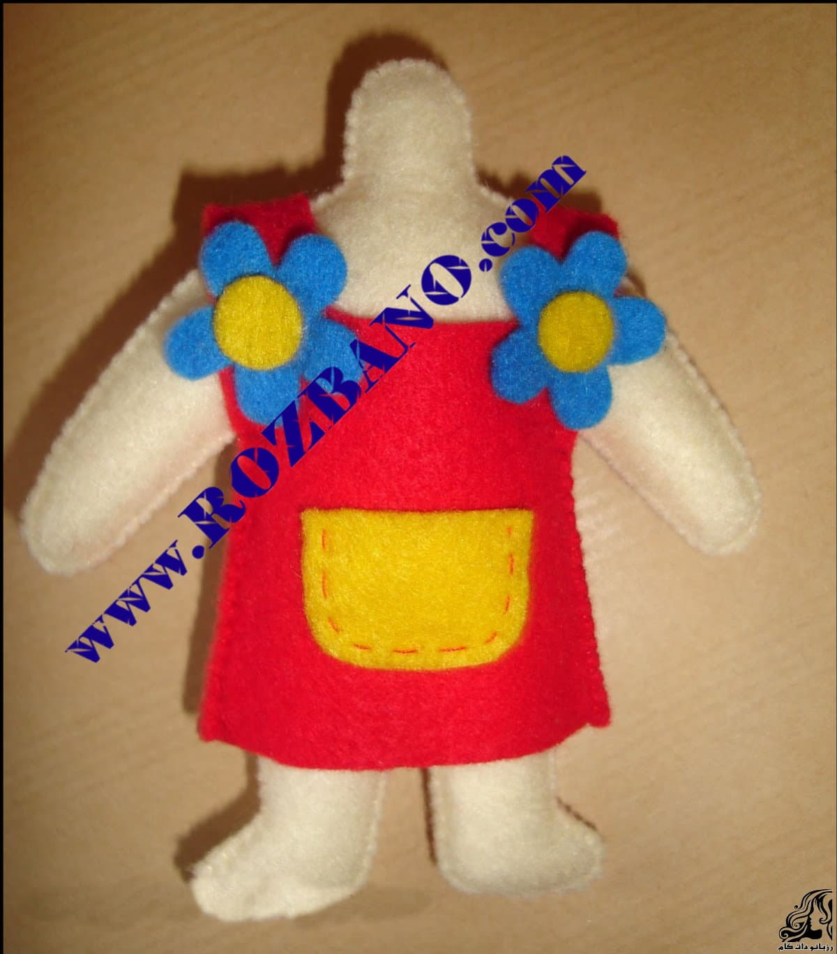 http://up.rozbano.com/view/2818060/Felt%20Girl%20Dolls-15.jpg