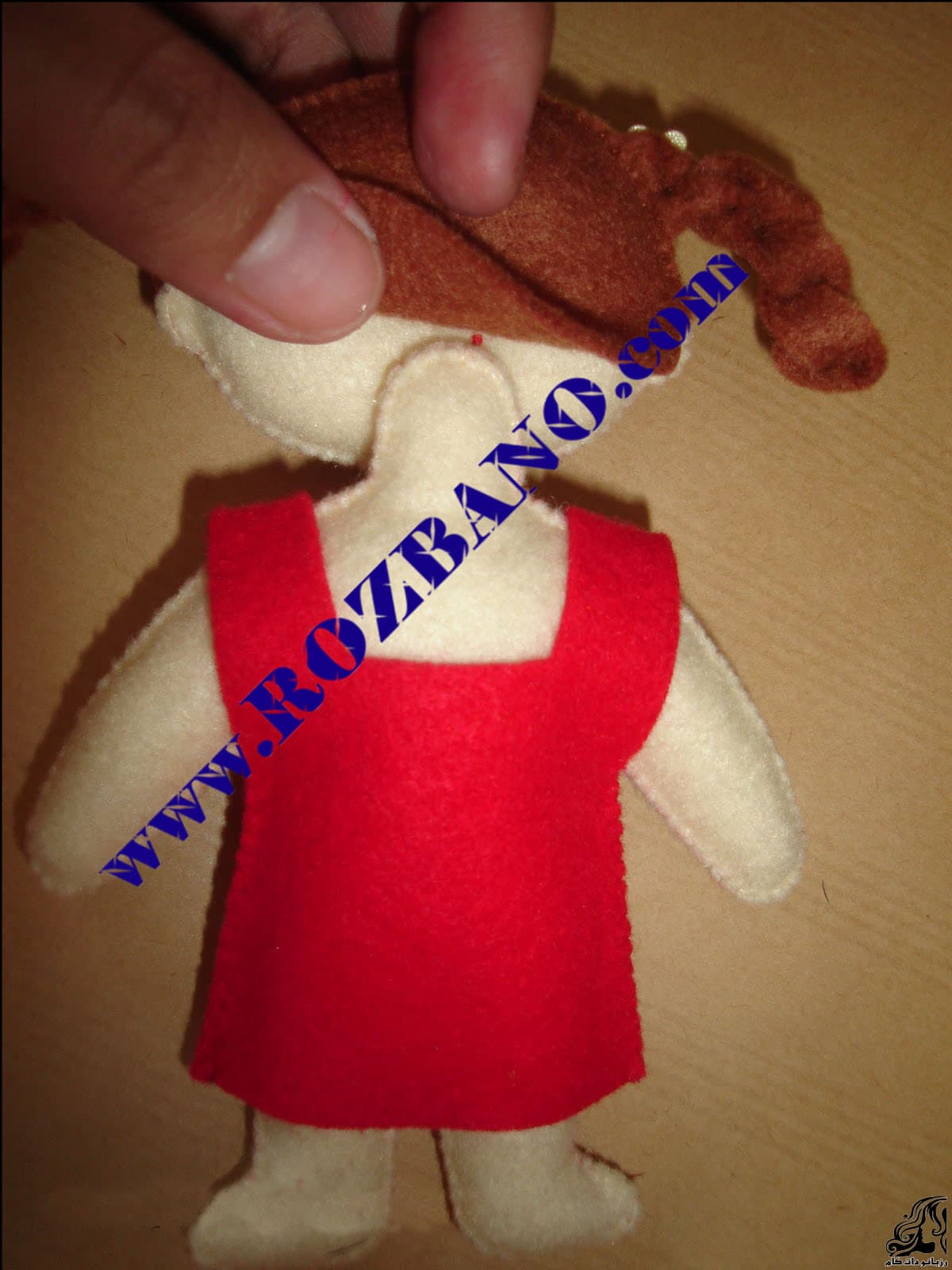 http://up.rozbano.com/view/2818066/Felt%20Girl%20Dolls-16.jpg