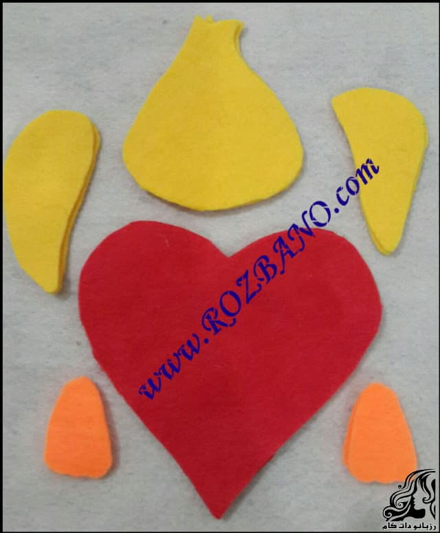 http://up.rozbano.com/view/2833871/Build%20Valentine%20Duck-02.jpg