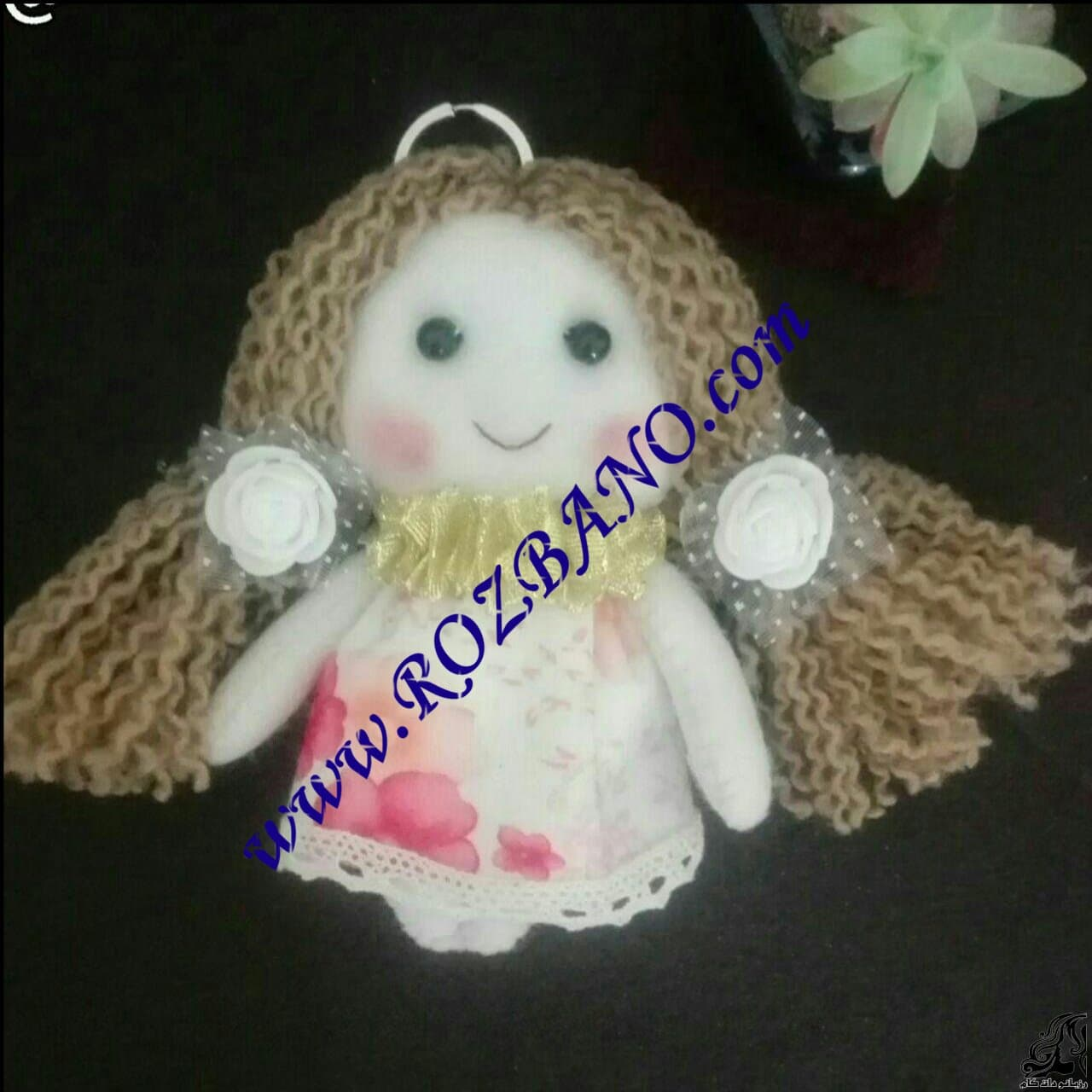 http://up.rozbano.com/view/2836226/Train%20the%20installation%20of%20Camouflage%20hair%20for%20dolls.jpg
