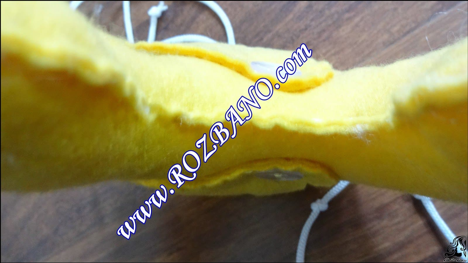 http://up.rozbano.com/view/2844106/Clamp%20Curtain%20Rooster%20Felt-15.jpg