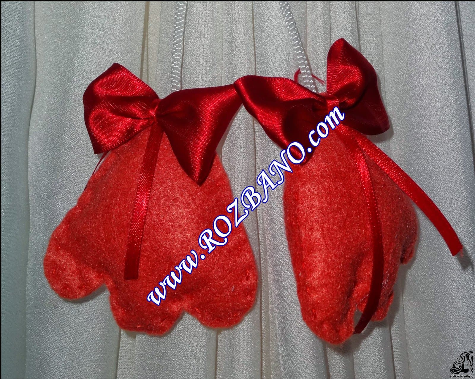 http://up.rozbano.com/view/2844112/Clamp%20Curtain%20Rooster%20Felt-22.jpg