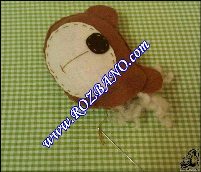 http://up.rozbano.com/view/2847362/Bear%20Felt%20Doll-04.jpg