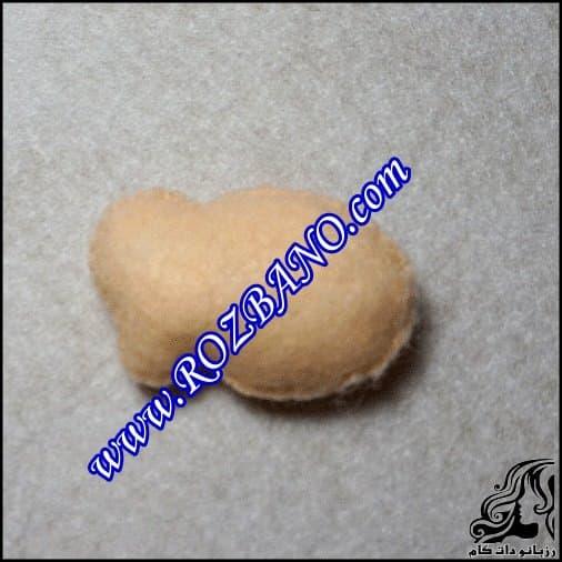 http://up.rozbano.com/view/2849559/how%20make%20felt%20baby%20doll-04-1.jpg