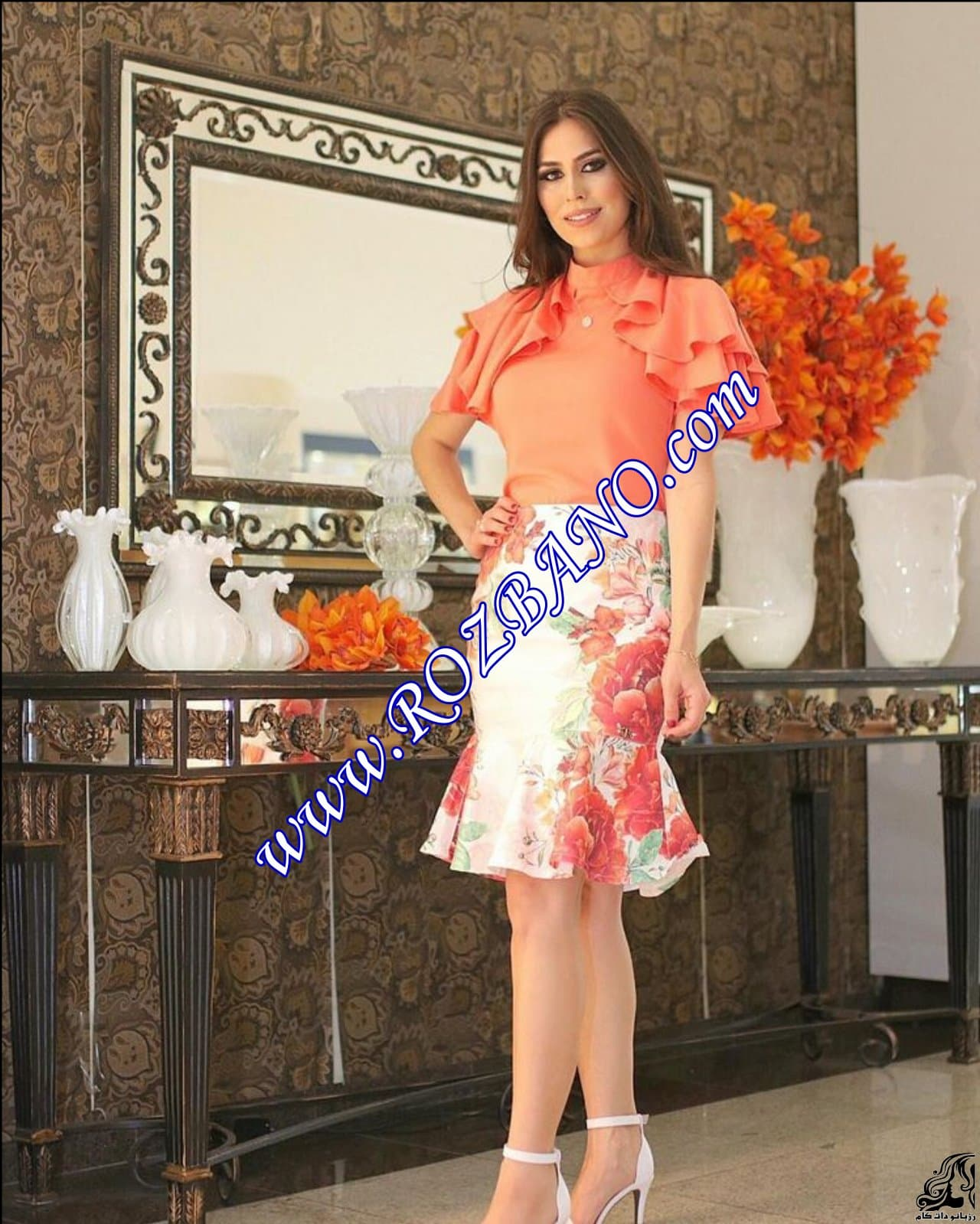 http://up.rozbano.com/view/2855659/Women%20blouse%20and%20skirt%20sewing%20pattern.jpg