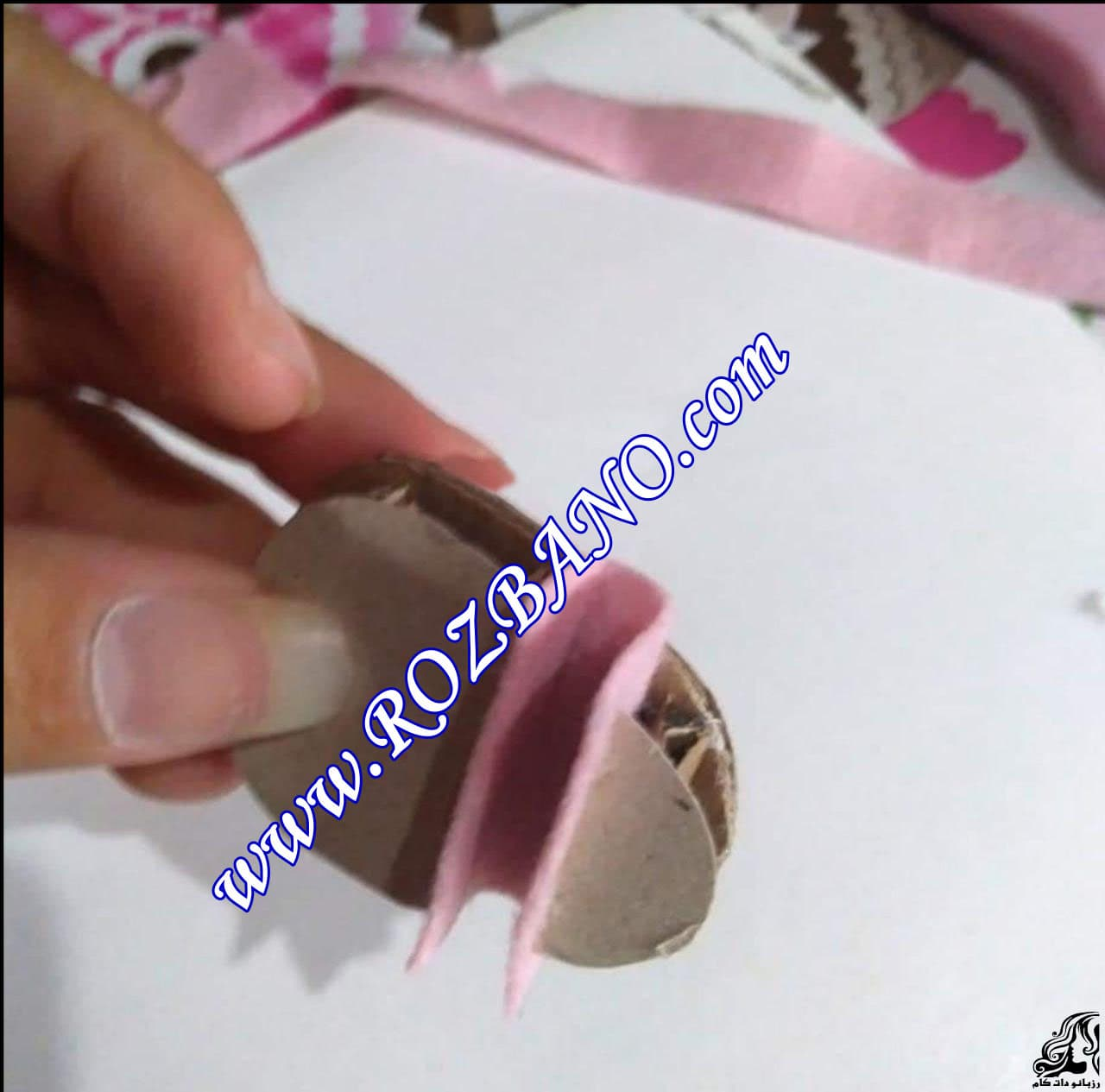 http://up.rozbano.com/view/2856683/Making%20sandals%20for%20dolls-05.jpg