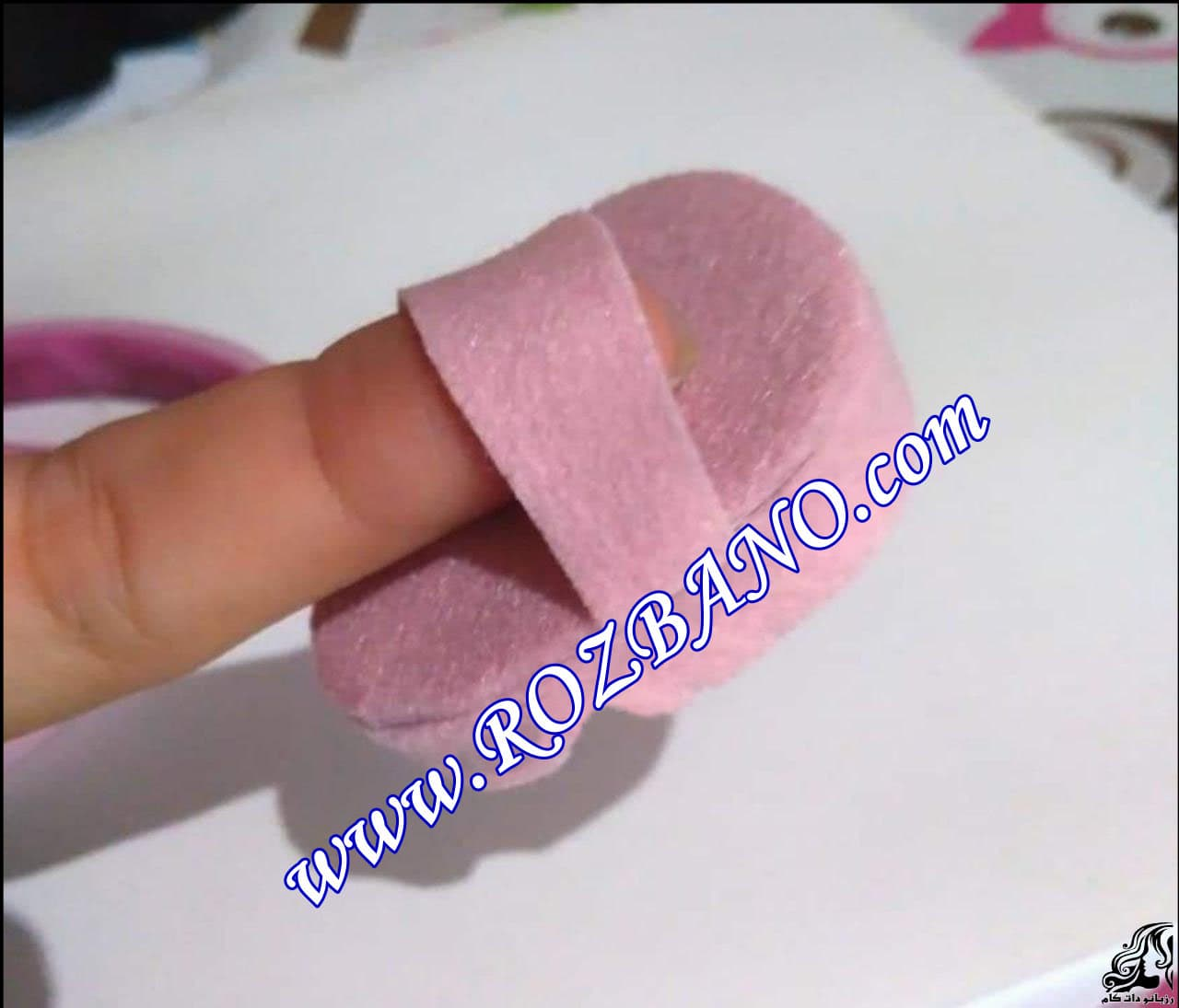 http://up.rozbano.com/view/2856689/Making%20sandals%20for%20dolls-11.jpg