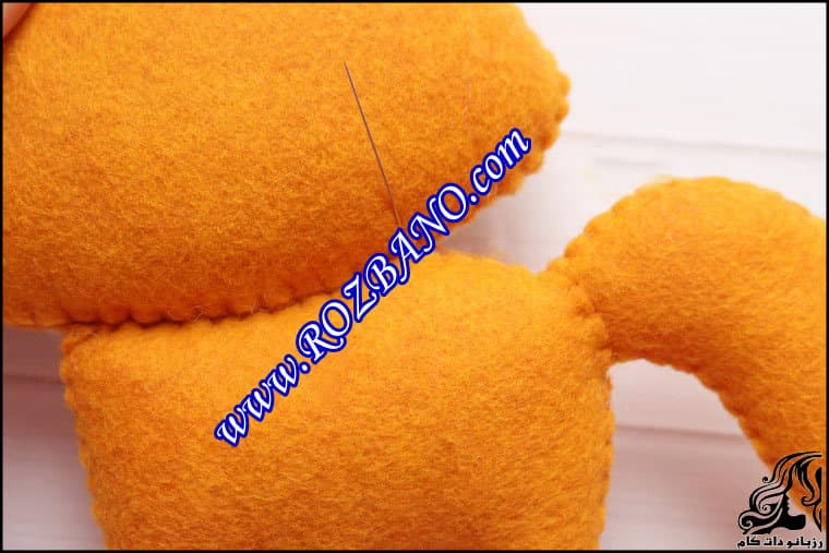 http://up.rozbano.com/view/2862438/Sewing%20Felt%20Fox-42.jpg
