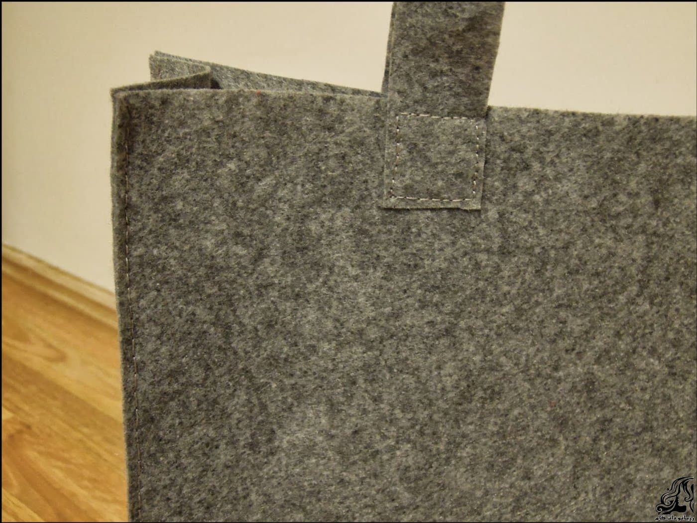 http://up.rozbano.com/view/2875368/Sewing%20handbag%20Felt-11.jpg