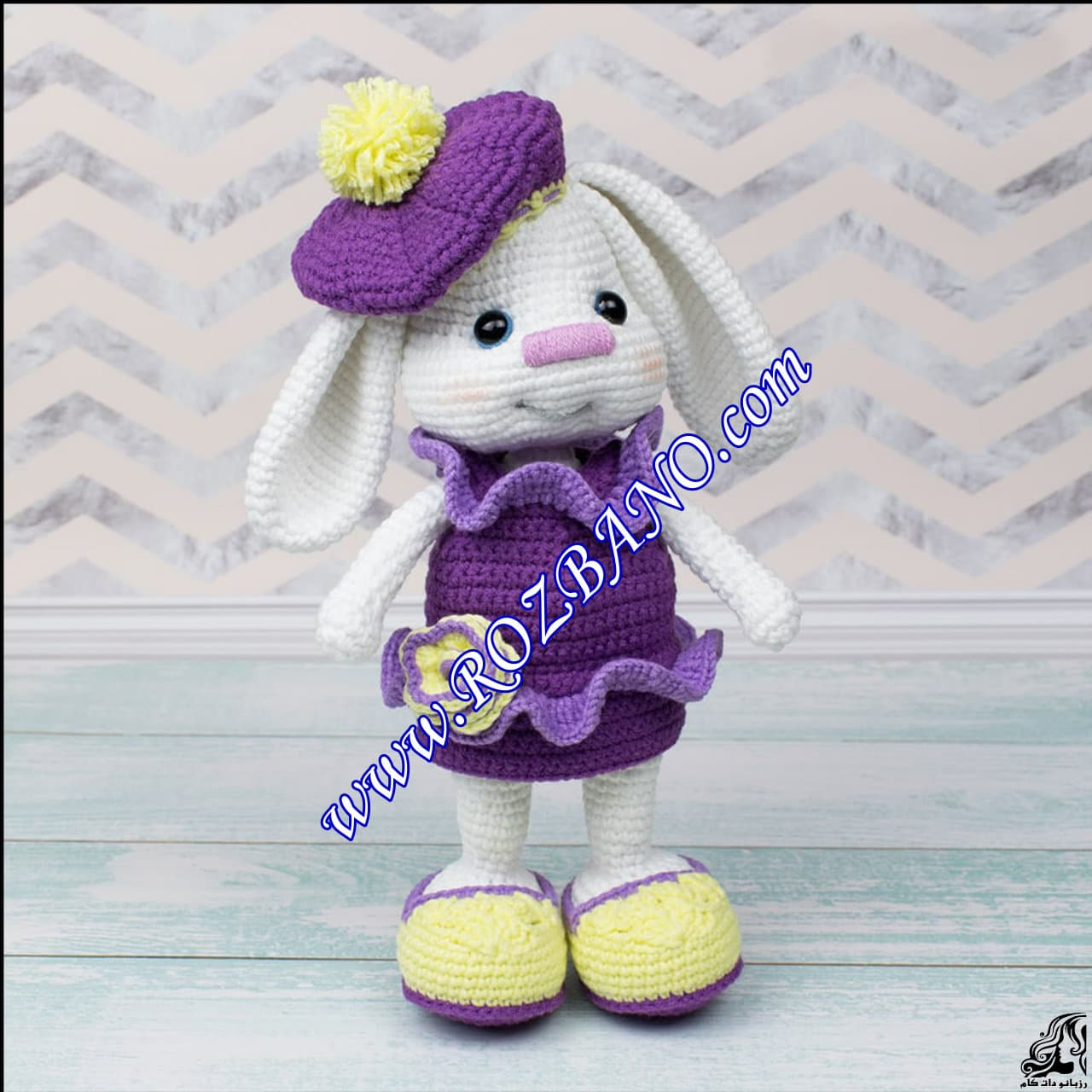 http://up.rozbano.com/view/2889553/Beautiful%20Doll%20Rabbit%20Tissue-01.jpg
