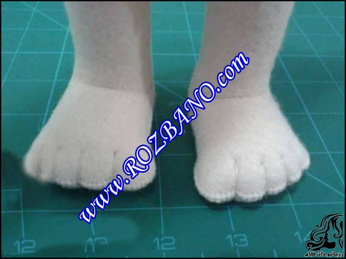 http://up.rozbano.com/view/2903432/Toes%20For%20Doll-14.jpg