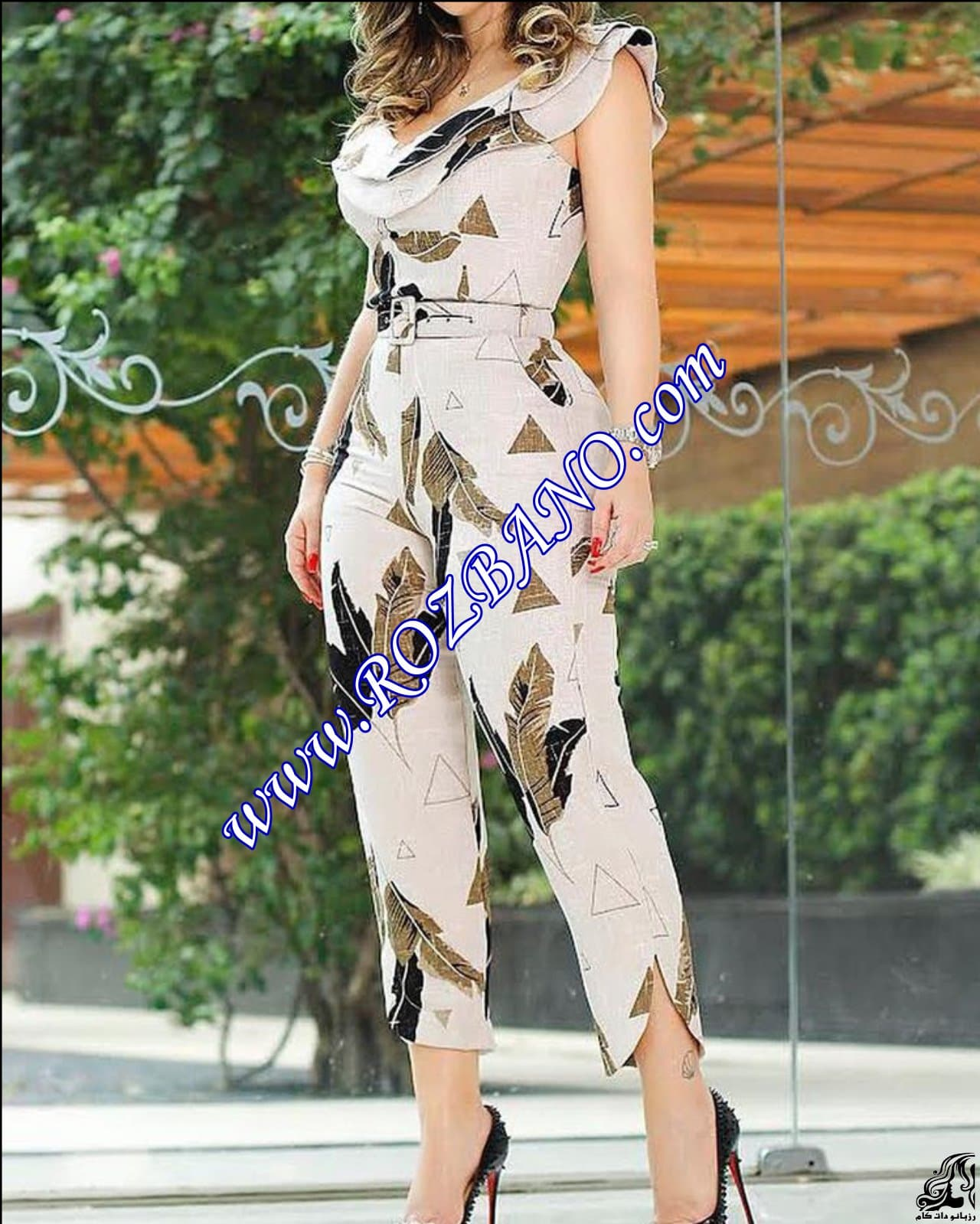 http://up.rozbano.com/view/2912304/Leaf%20Print%20Layered%20Ruffle%20Split%20Leg%20Jumpsuit-02.jpg