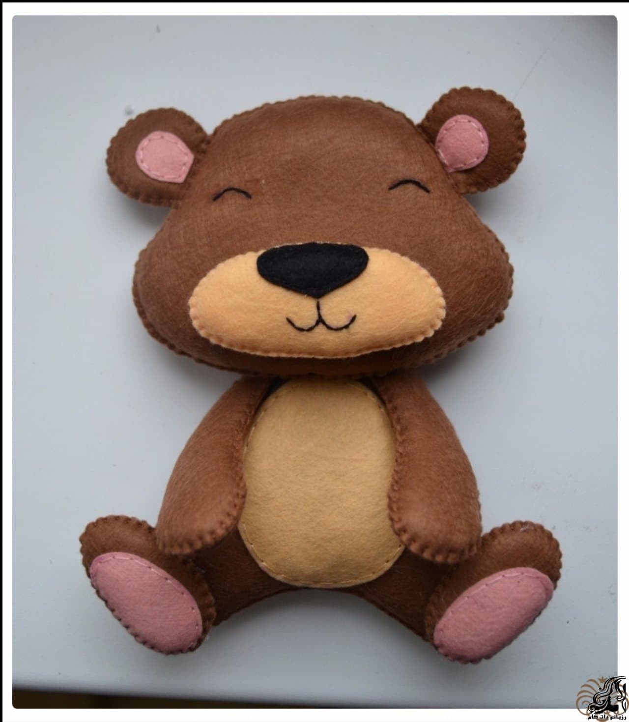 http://up.rozbano.com/view/2923306/Making%20Felt%20teddy%20bear-31.jpg