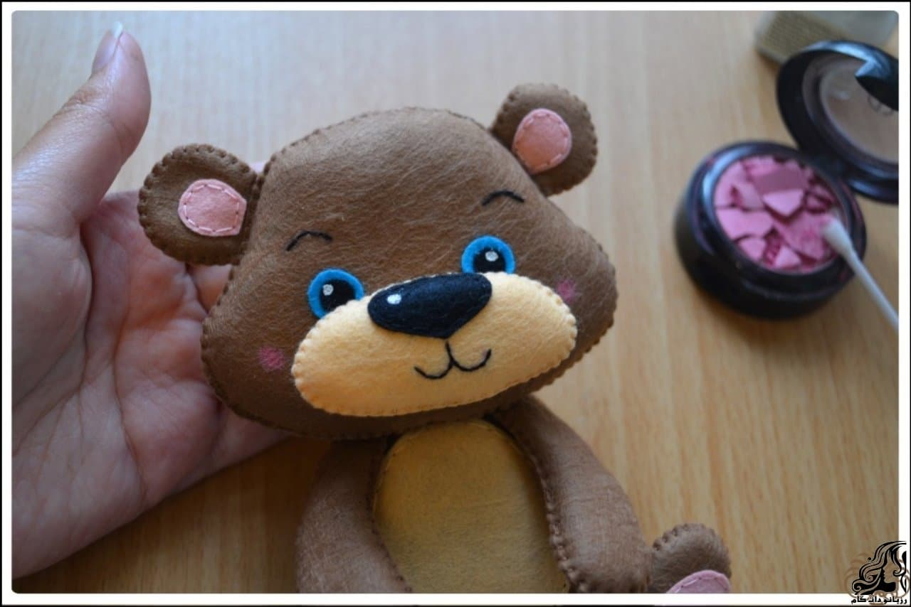 http://up.rozbano.com/view/2923309/Making%20Felt%20teddy%20bear-34.jpg
