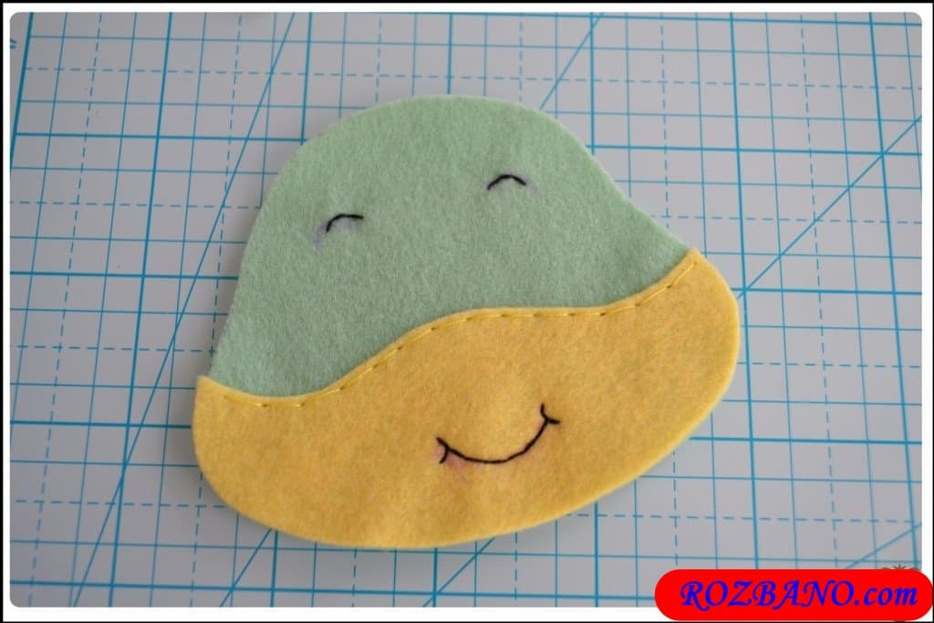 http://up.rozbano.com/view/2940409/Making%20Turtle%20Felt%20Dolls-11.jpg