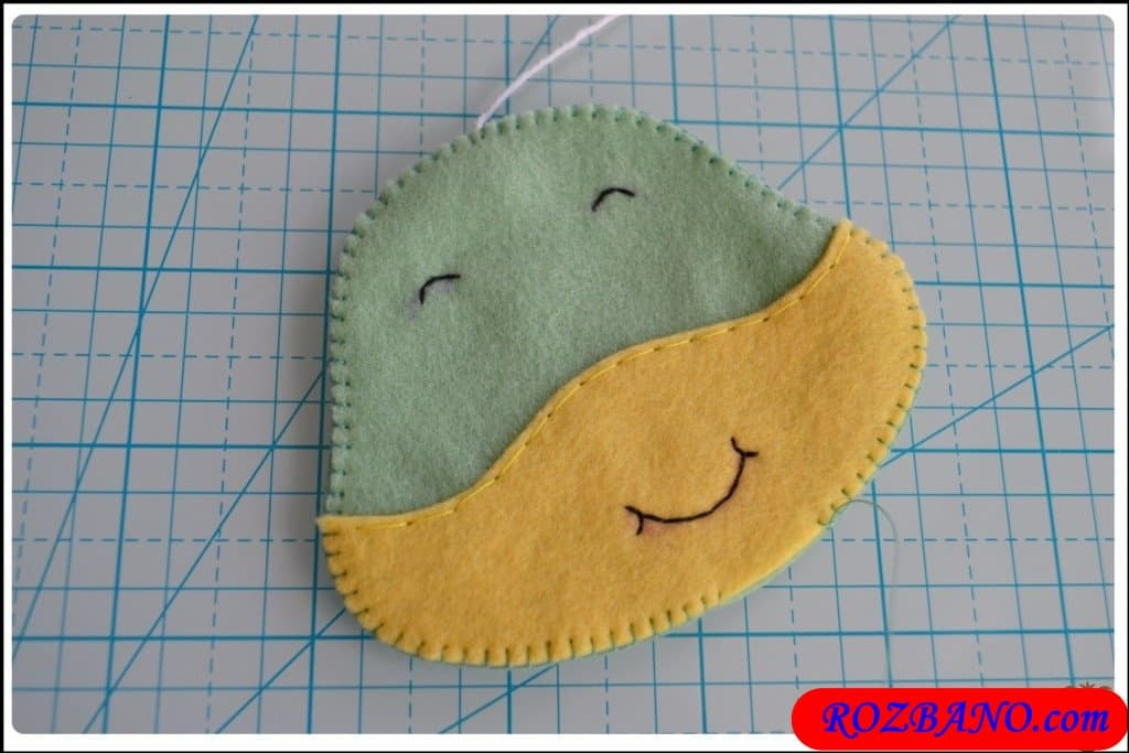 http://up.rozbano.com/view/2940411/Making%20Turtle%20Felt%20Dolls-13.jpg
