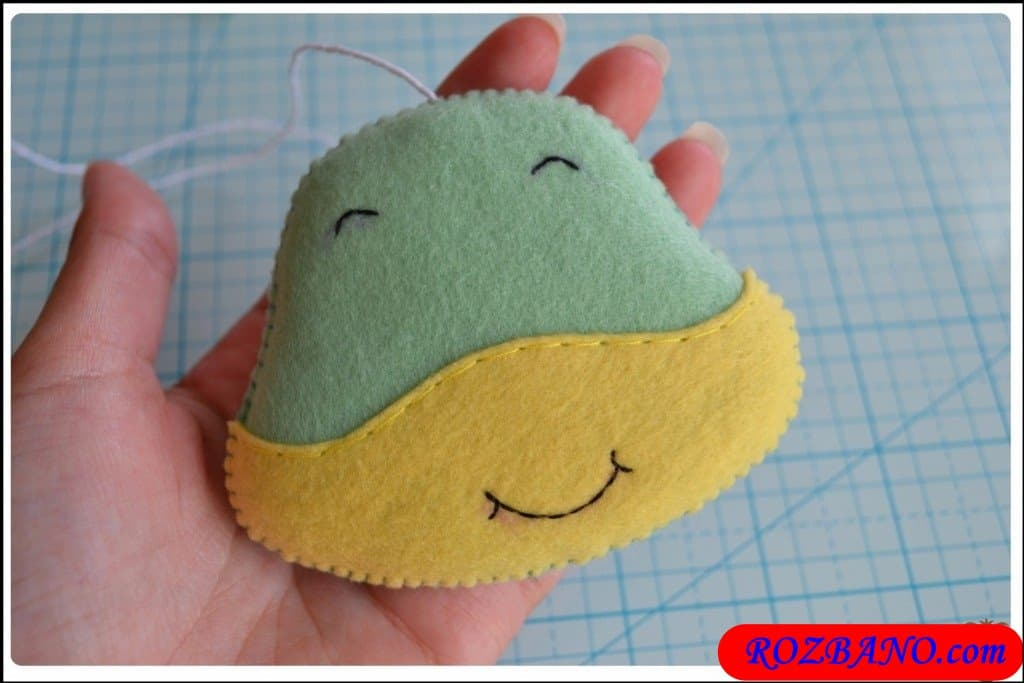 http://up.rozbano.com/view/2940412/Making%20Turtle%20Felt%20Dolls-14.jpg