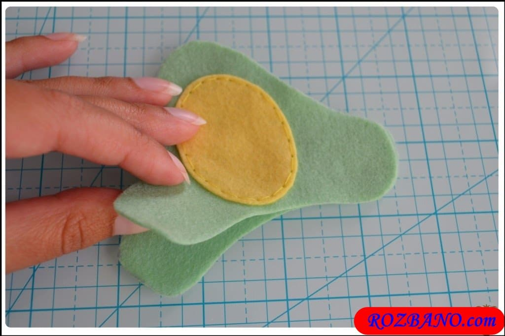http://up.rozbano.com/view/2940413/Making%20Turtle%20Felt%20Dolls-15.jpg