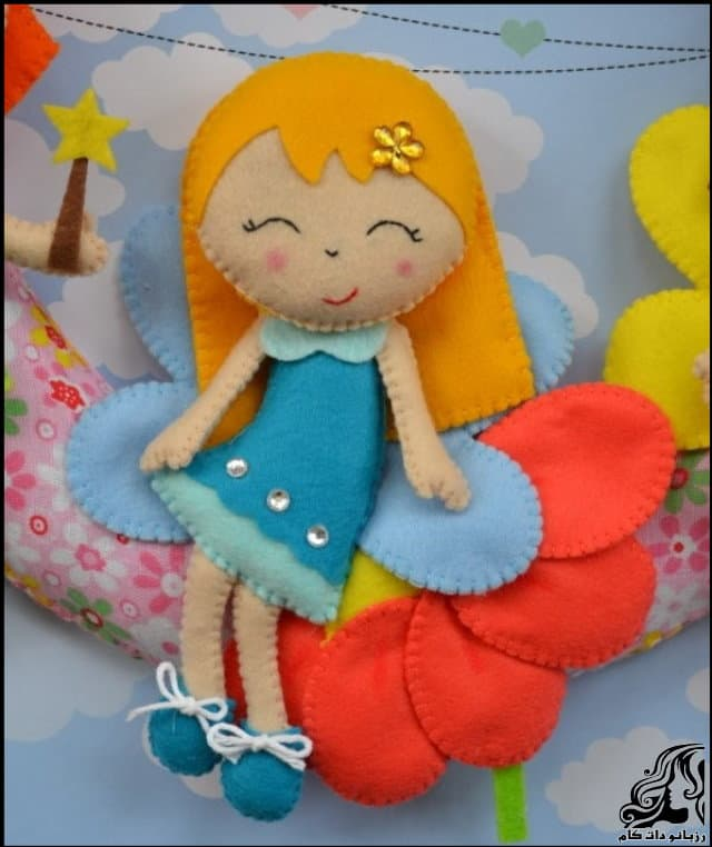 http://up.rozbano.com/view/2953147/Beautiful%20doll%20on%20the%20door-01.jpg