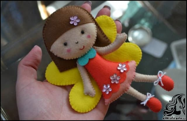 http://up.rozbano.com/view/2953148/Beautiful%20doll%20on%20the%20door-02.jpg