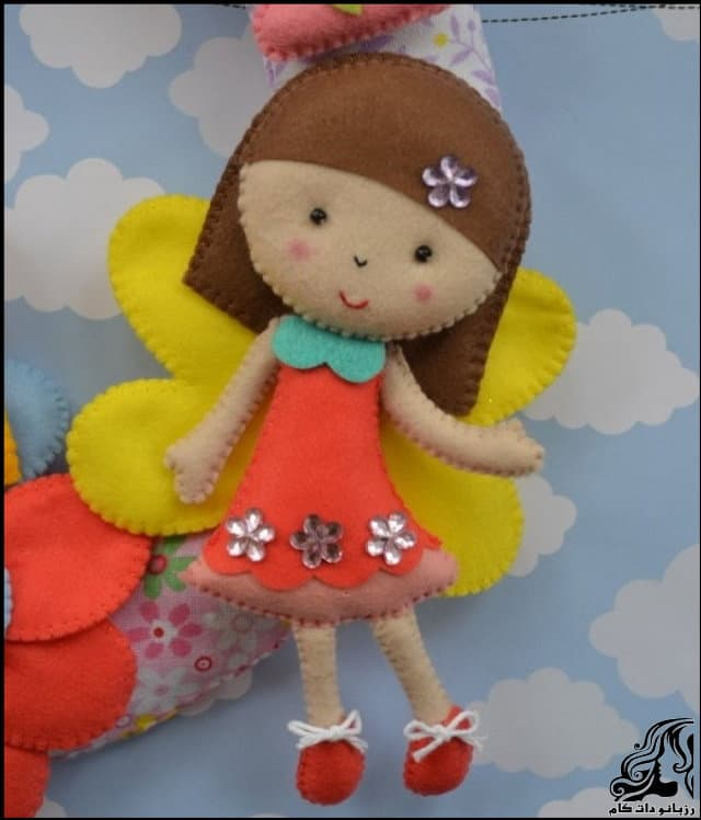 http://up.rozbano.com/view/2953170/Beautiful%20doll%20on%20the%20door-22.jpg