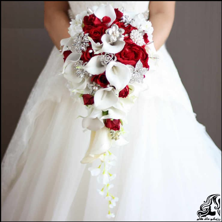 http://up.rozbano.com/view/2962219/pictures%20bouquets%20stylish%20bride-04.jpg