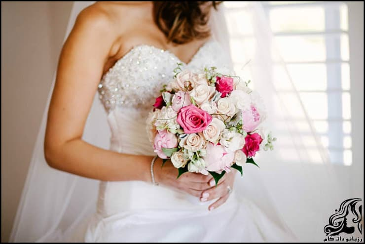 http://up.rozbano.com/view/2962220/pictures%20bouquets%20stylish%20bride-05.jpg
