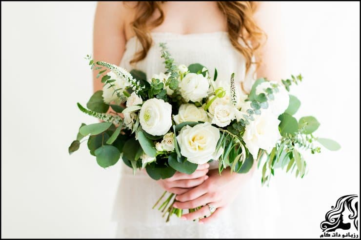 http://up.rozbano.com/view/2962221/pictures%20bouquets%20stylish%20bride-06.jpg