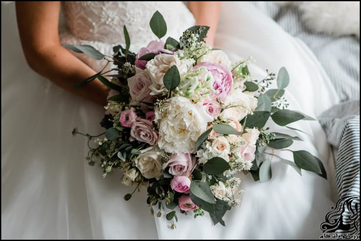 http://up.rozbano.com/view/2962222/pictures%20bouquets%20stylish%20bride-07.jpg