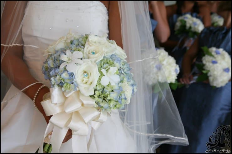 http://up.rozbano.com/view/2962224/pictures%20bouquets%20stylish%20bride-09.jpg