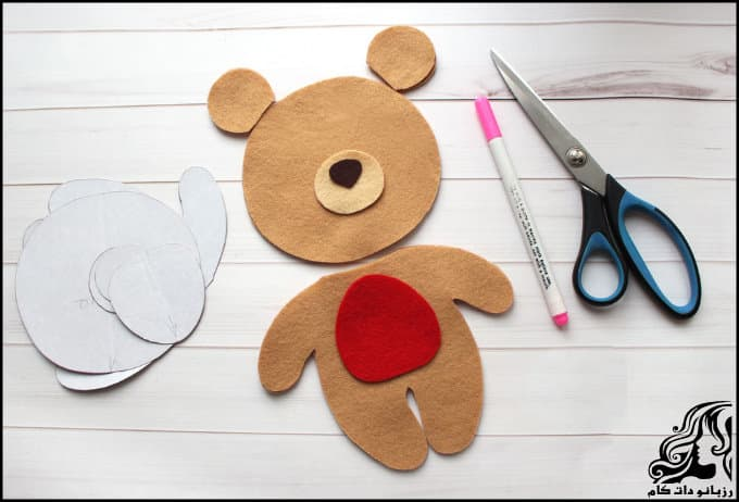 http://up.rozbano.com/view/3018901/Creating%20a%20teddy%20bear-01.jpg