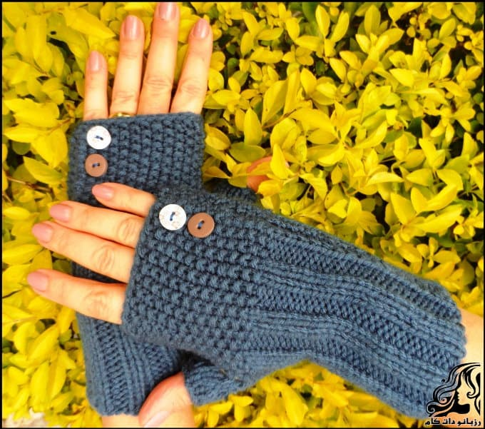 http://up.rozbano.com/view/3019963/Crocheted%20fingerless%20gloves-01.jpg
