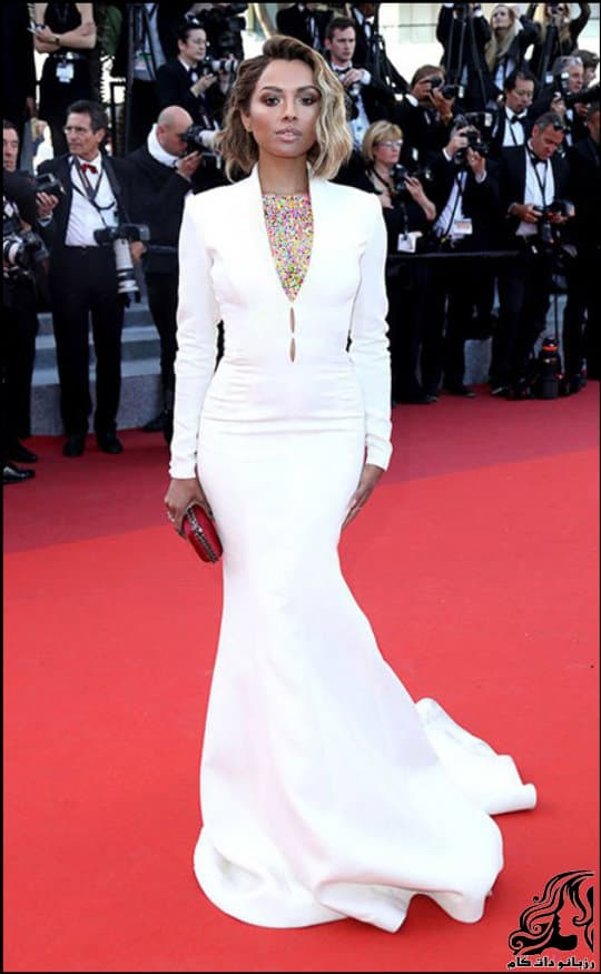 http://up.rozbano.com/view/3019987/Hollywood%20Star%20Costume%20Model%20at%20Cannes%20Festival.jpg