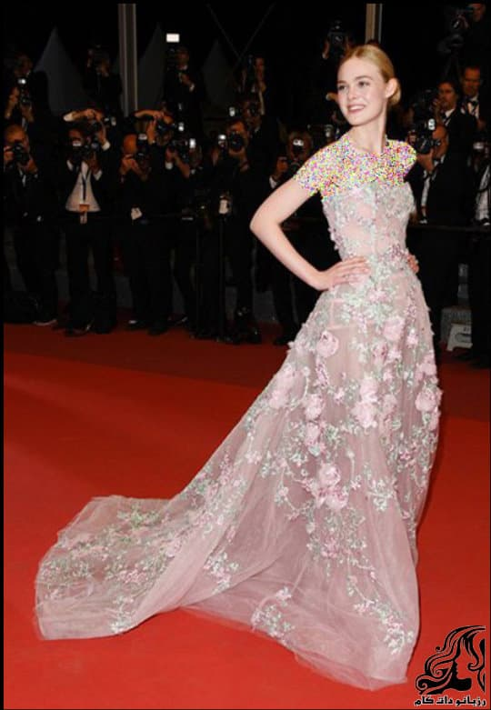 http://up.rozbano.com/view/3019990/Hollywood%20Star%20Costume%20Model%20at%20Cannes%20Festival-03.jpg