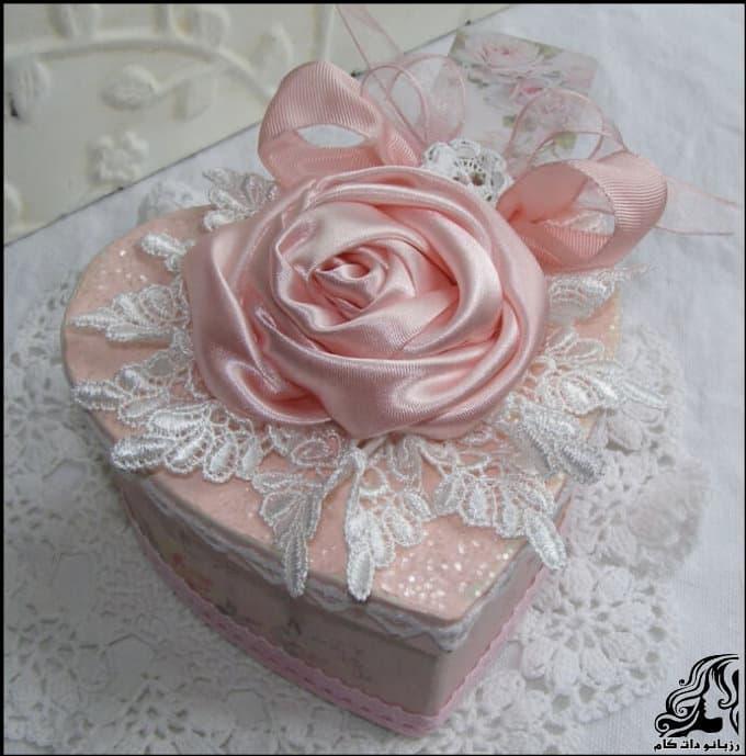http://up.rozbano.com/view/3022513/Making%20heart%20shaped%20gift%20box-0.jpg