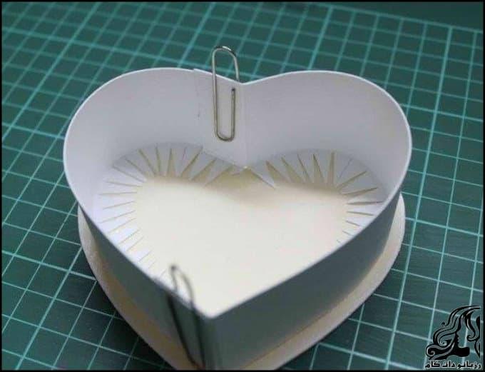 http://up.rozbano.com/view/3022516/Making%20heart%20shaped%20gift%20box-03-1.jpg