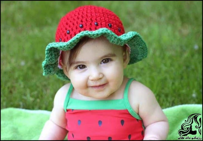 http://up.rozbano.com/view/3034047/Crocheted%20hats%20shaped%20watermelon.jpg