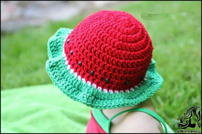 http://up.rozbano.com/view/3034051/Crocheted%20hats%20shaped%20watermelon-05.jpg