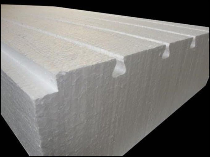 https://up.rozbano.com/view/3034864/Application%20of%20foam%20in%20construction.jpg