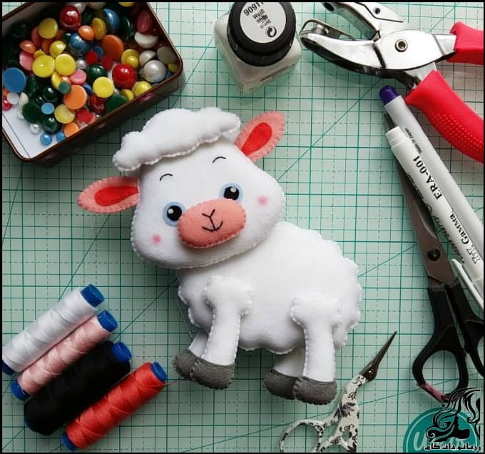 https://up.rozbano.com/view/3036683/Make%20felt%20sheep%20doll.jpg