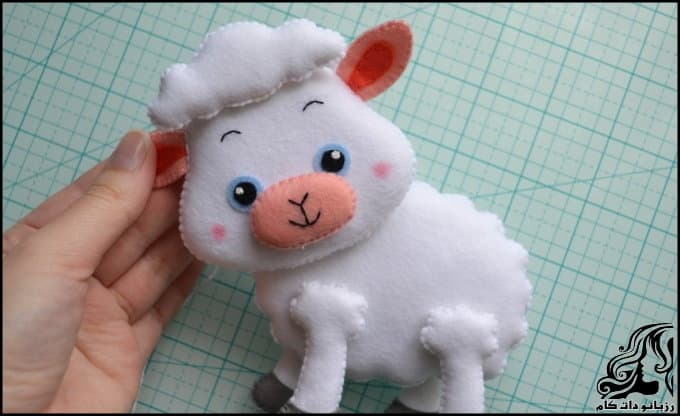 https://up.rozbano.com/view/3036732/Make%20felt%20sheep%20doll-36.jpg